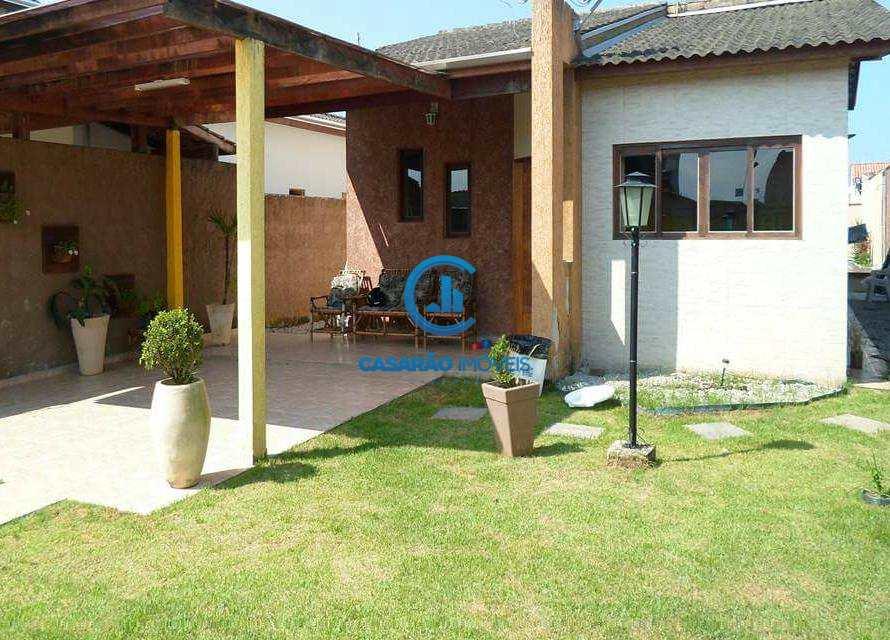 Casa em Caraguatatuba, bairro Balneário Recanto do Sol
