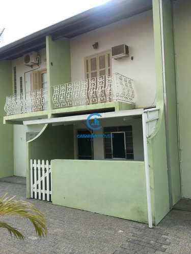 Sobrado de Condomínio, código 9062 em Caraguatatuba, bairro Martim de Sá