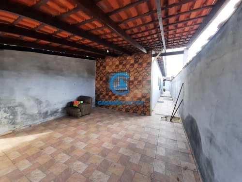 Casa, código 9080 em Caraguatatuba, bairro Porto Novo