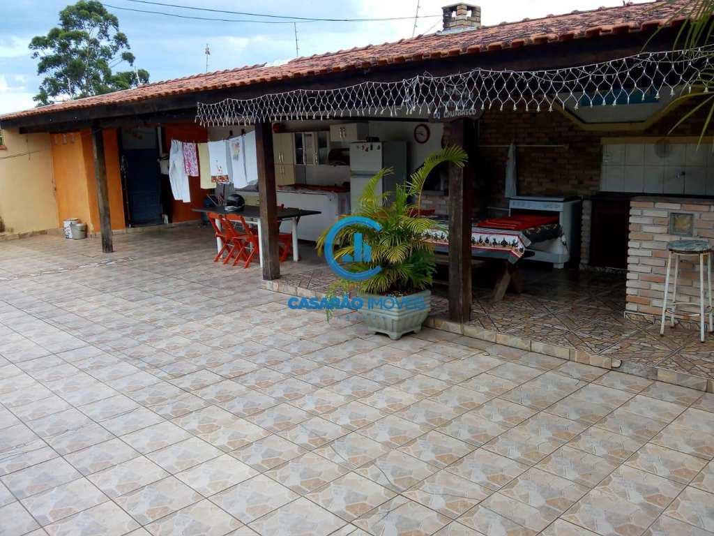 Sobrado em Caraguatatuba, no bairro Poiares