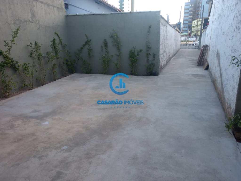 Sobrado em Caraguatatuba, no bairro Centro