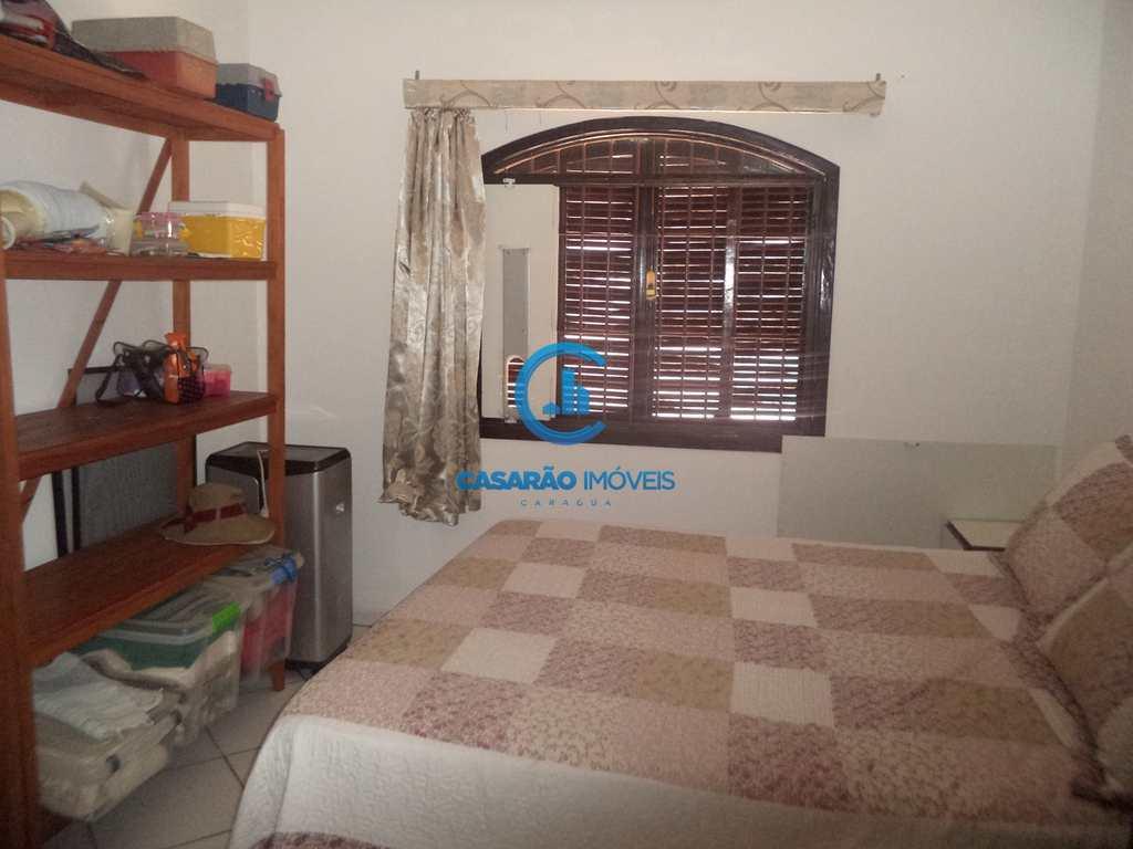 Casa em Caraguatatuba, no bairro Loteamento Recreio Juqueriquerê