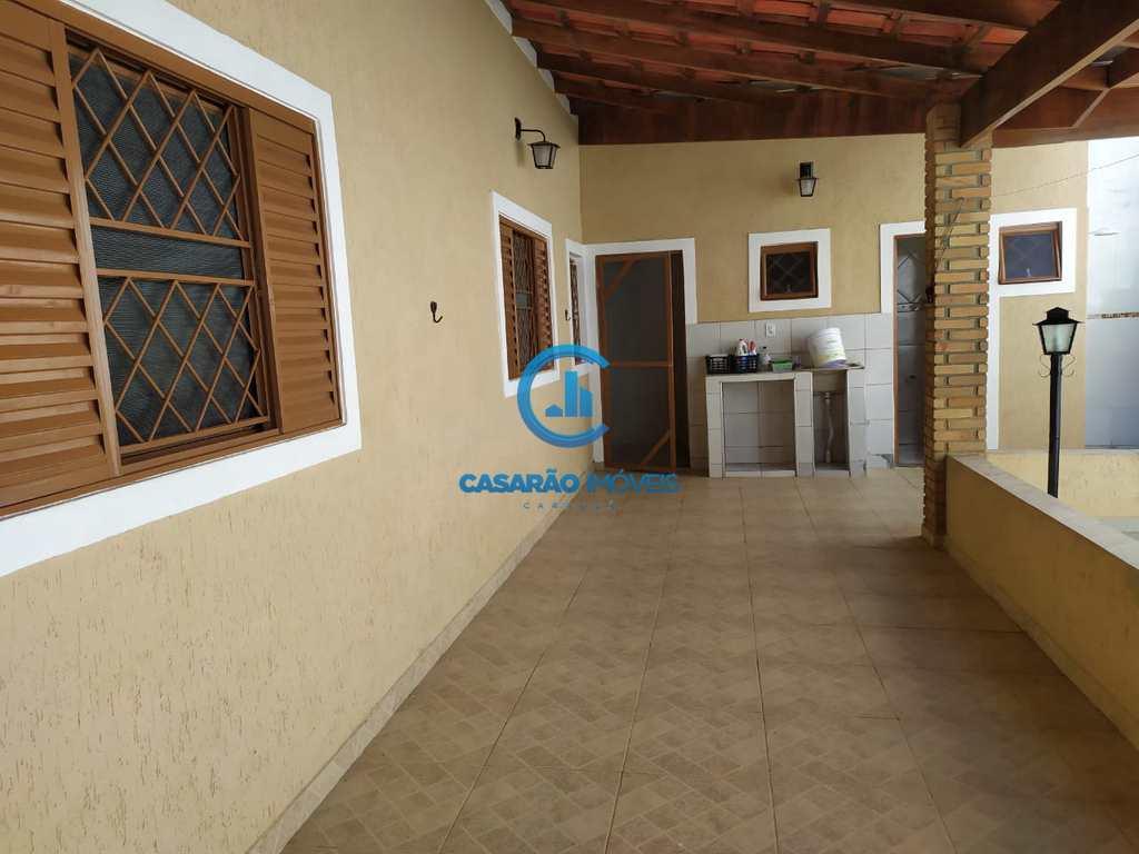 Casa em Caraguatatuba, no bairro Vila Nossa Senhora Aparecida