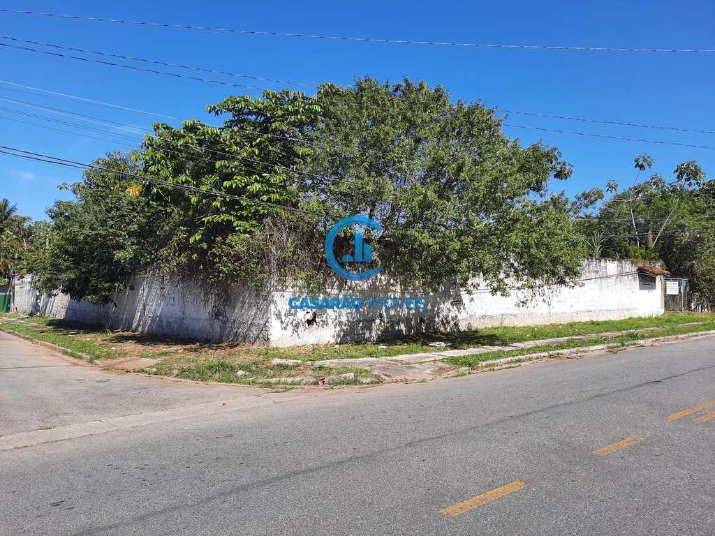 Área em Caraguatatuba, no bairro Jardim Brasil