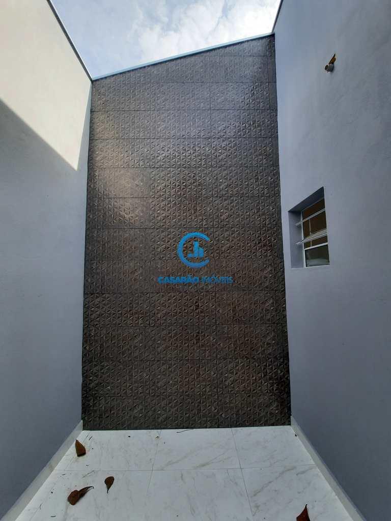 Casa em São Sebastião, no bairro Canto do Mar