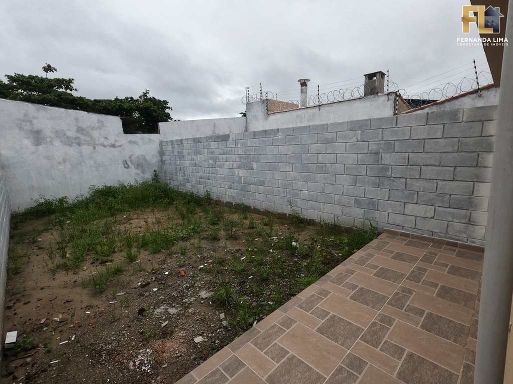Casa em Itanhaém, no bairro Jardim Magalhães