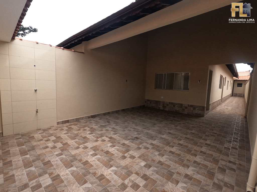 Casa em Mongaguá, no bairro Jardim Aguapeu