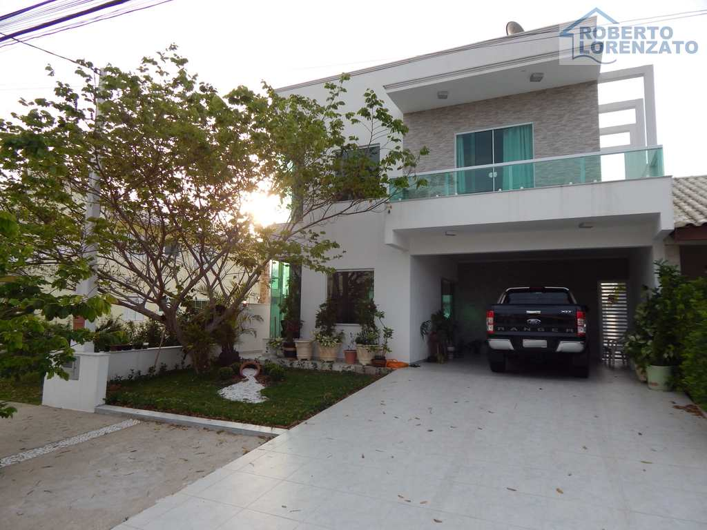 Casa de Condomínio em Peruíbe, bairro Jardim Três Marias