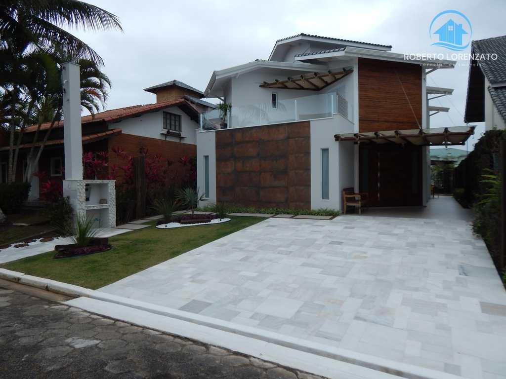 Casa em Peruíbe, no bairro Condomínio Bougainvilleé III