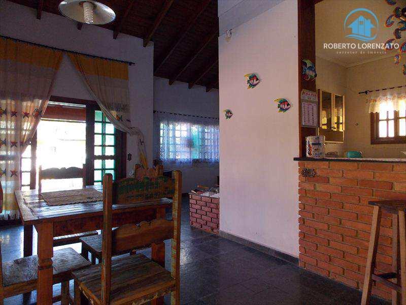 Casa em Peruíbe, bairro Belmira Novaes