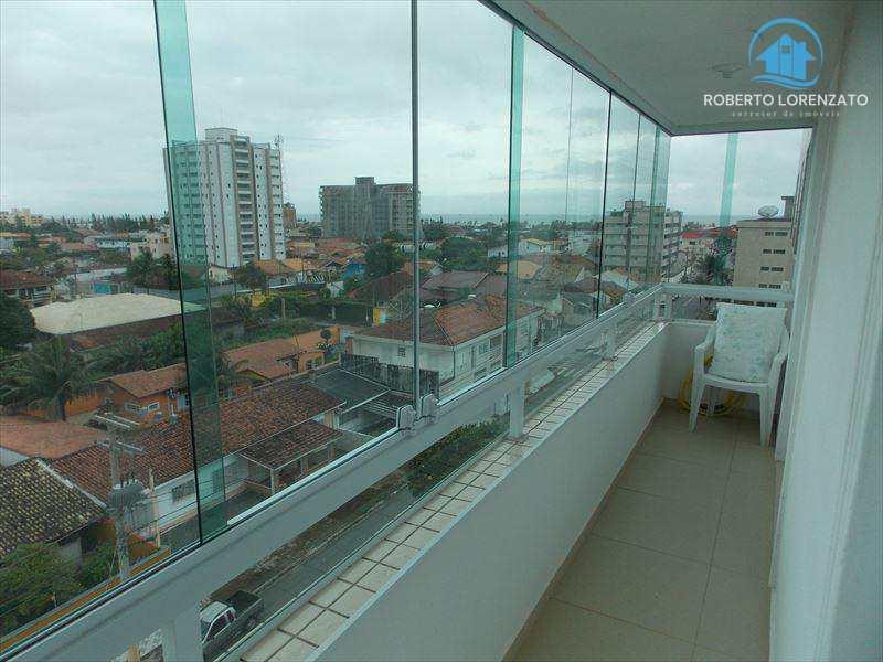 Apartamento em Peruíbe, bairro Centro