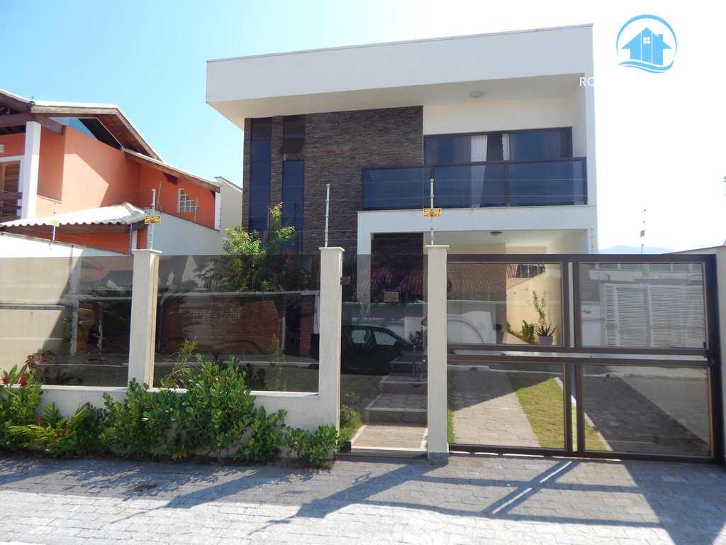 Casa em Peruíbe, bairro Centro