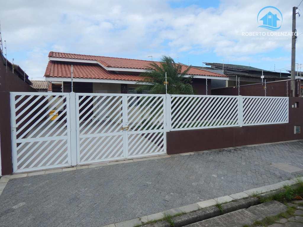 Casa em Peruíbe, bairro Flórida