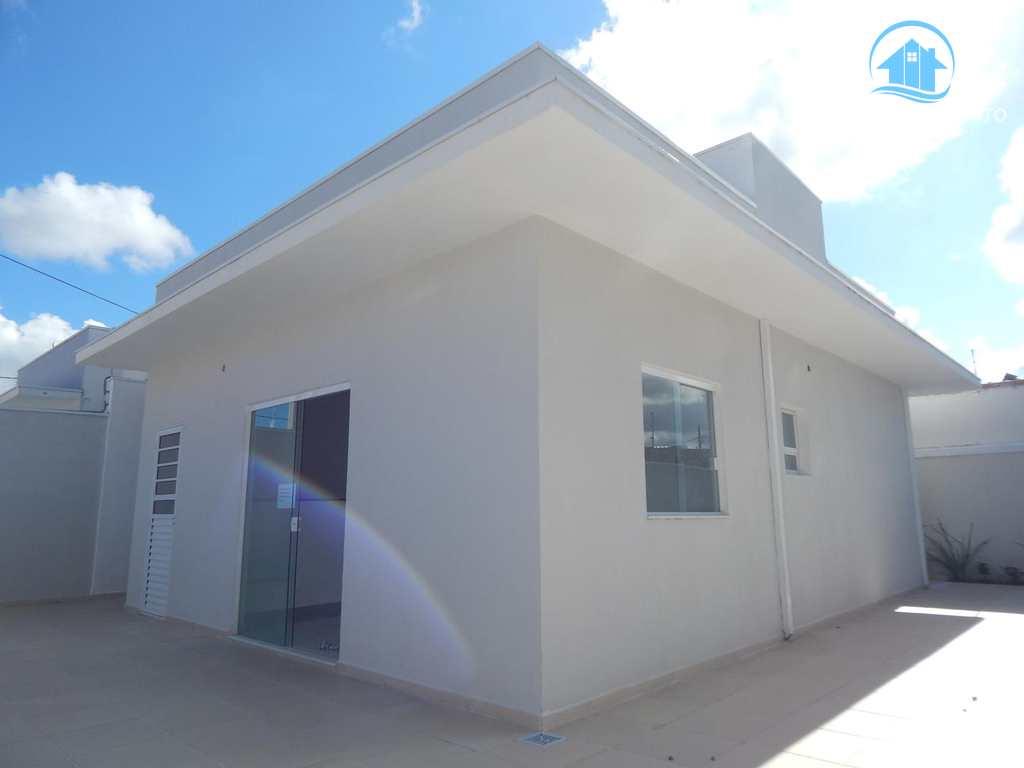Casa em Peruíbe, bairro São João Batista II
