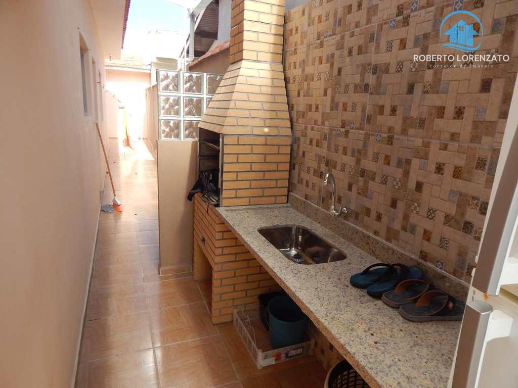 Casa em Peruíbe, bairro São João Batista