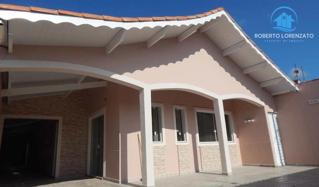 Casa em Peruíbe, bairro Jardim Peruíbe