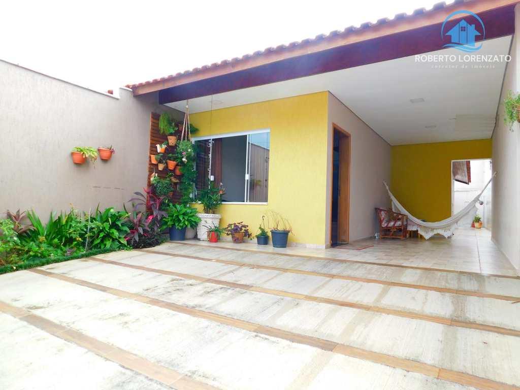 Casa em Peruíbe, no bairro Jardim Ribamar