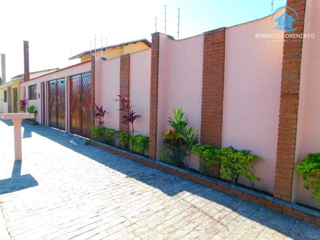 Casa em Peruíbe, no bairro Icaraíba