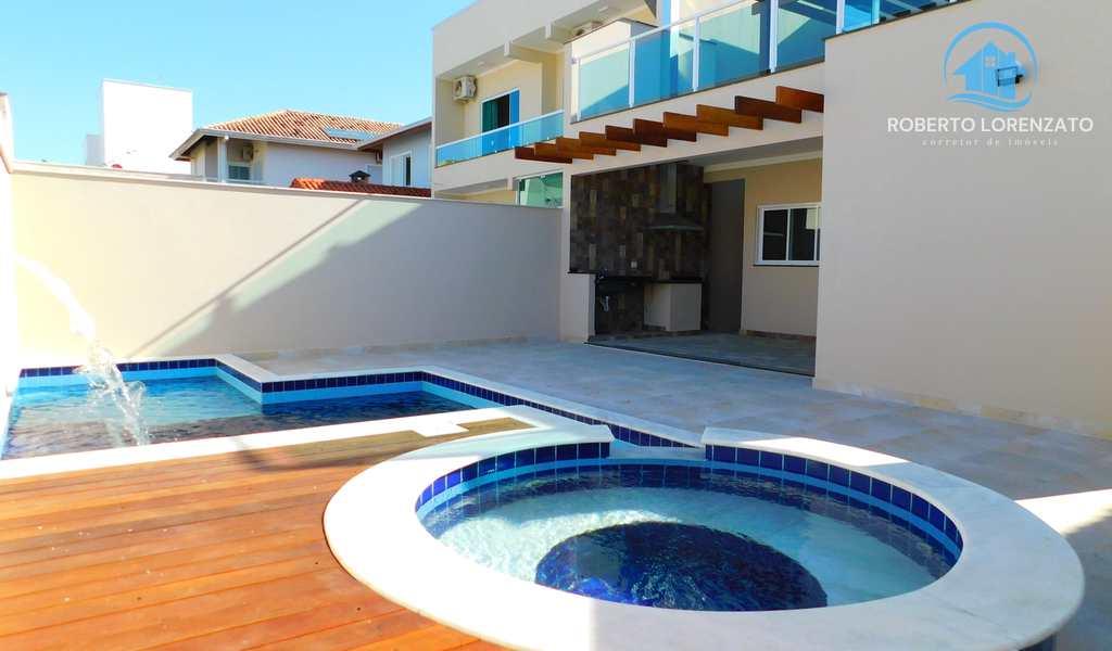 Casa em Peruíbe, bairro Condomínio Três Marias