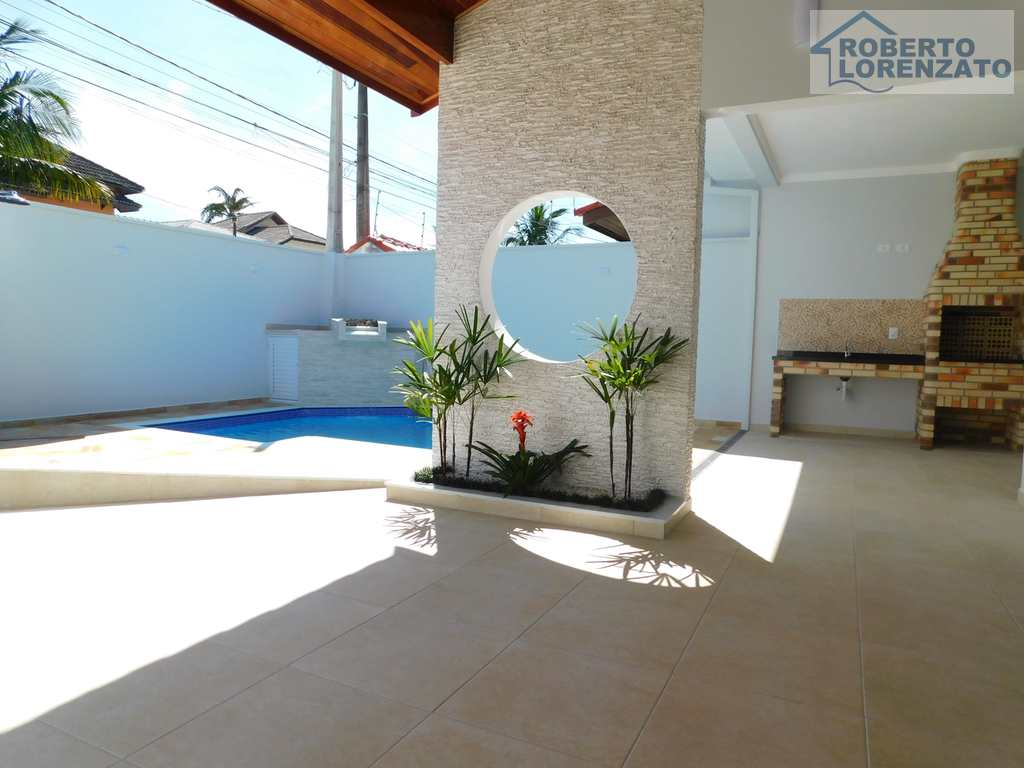 Casa em Peruíbe, no bairro Casablanca