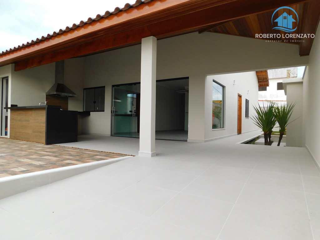 Casa em Peruíbe, no bairro São José
