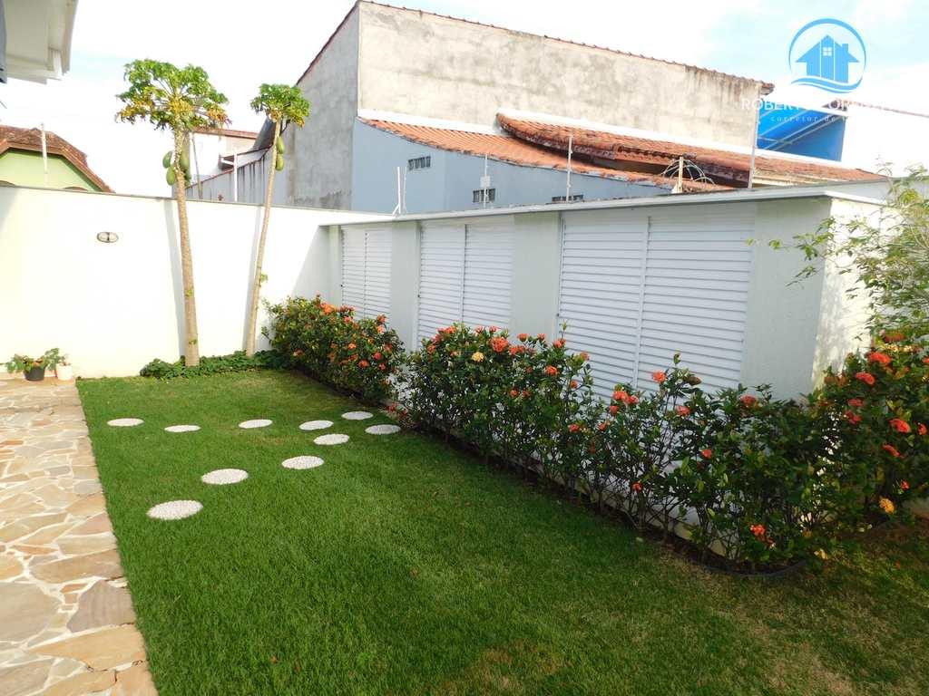 Casa em Peruíbe, no bairro Jardim Beira Mar