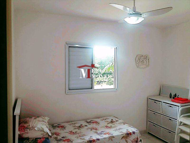 Apartamento em Bertioga, no bairro Centro