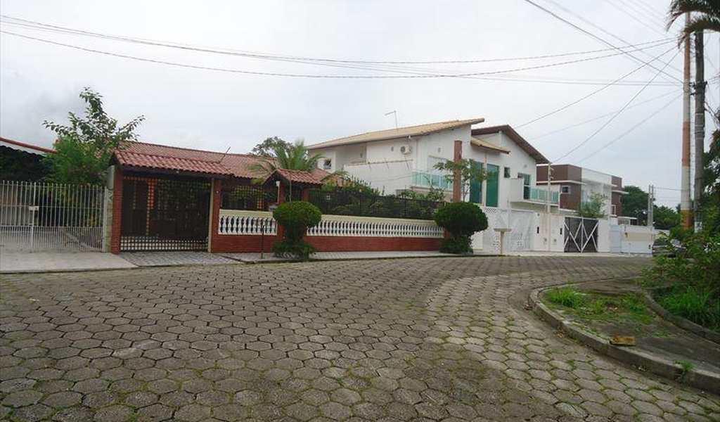 Casa em Peruíbe, bairro Balneário Stella Maris