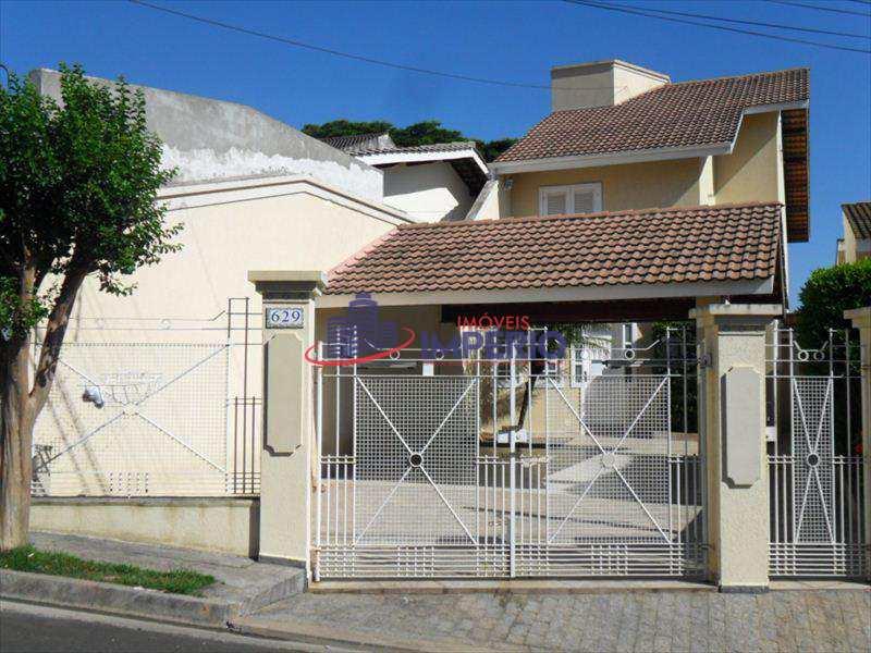 Sobrado em Atibaia, no bairro Nova Gardênia