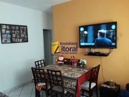 Apartamento, código 244 em São Vicente, bairro Vila Valença