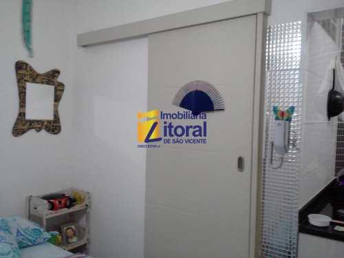 Apartamento, código 333 em São Vicente, bairro Centro
