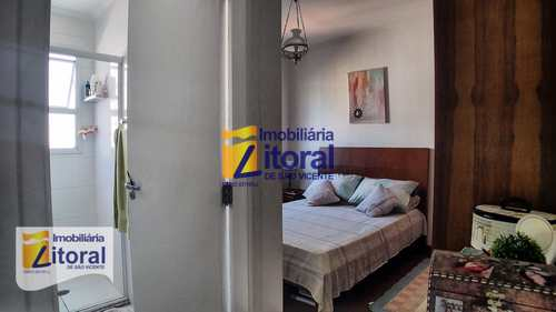 Apartamento, código 334 em São Vicente, bairro Centro