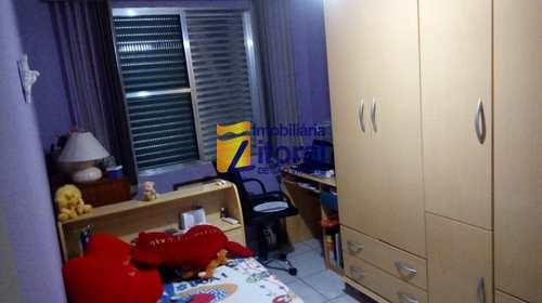 Apartamento, código 379 em São Vicente, bairro Centro