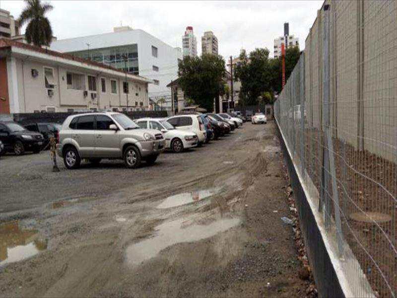 Terreno em Santos, no bairro Boqueirão