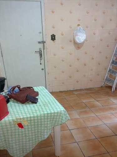 Apartamento, código 9915 em Santos, bairro Aparecida