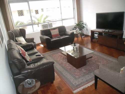 Apartamento, código 9056 em Santos, bairro Pompéia