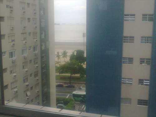 Kitnet, código 8745 em Santos, bairro Boqueirão