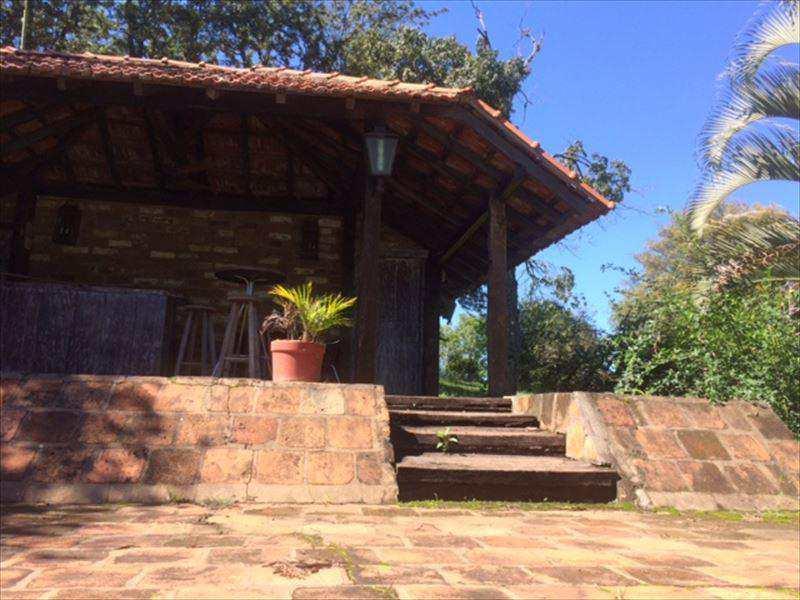 Fazenda em Amparo, no bairro Bairro dos Rosas