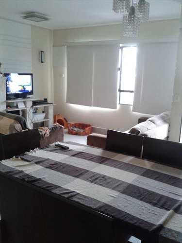 Apartamento, código 8451 em Santos, bairro Embaré