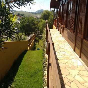 Casa de Condomínio em Águas de Lindóia, bairro Centro