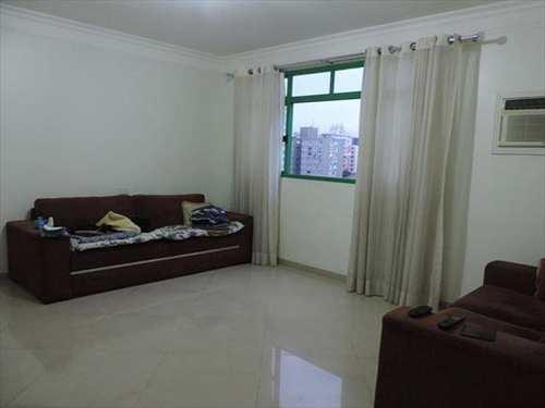 Apartamento, código 7426 em Santos, bairro Embaré