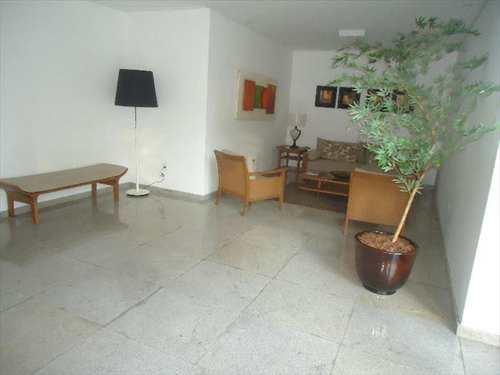 Apartamento, código 5851 em Santos, bairro Boqueirão
