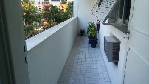 Apartamento, código 10944 em Santos, bairro Ponta da Praia