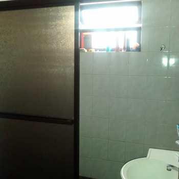 Sobrado em Cubatão, bairro Vila Nova