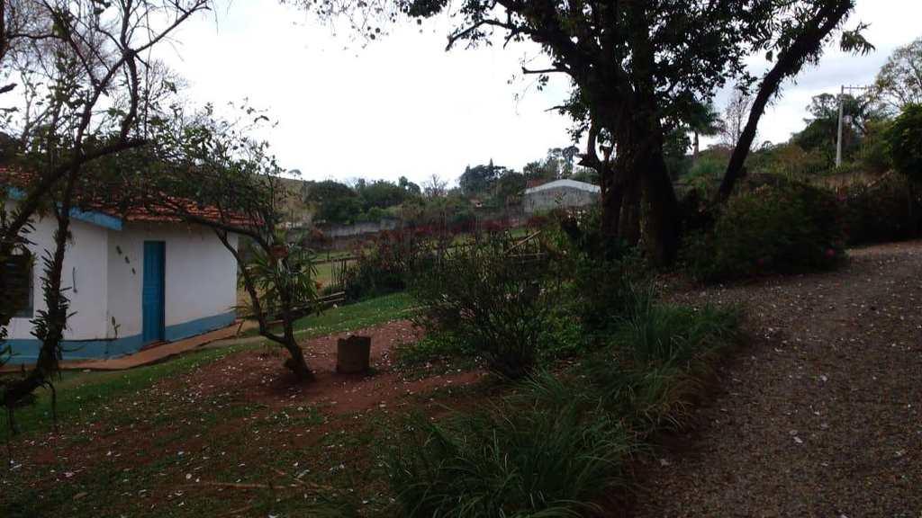 Chácara em Atibaia, no bairro Jardim das Cerejeiras
