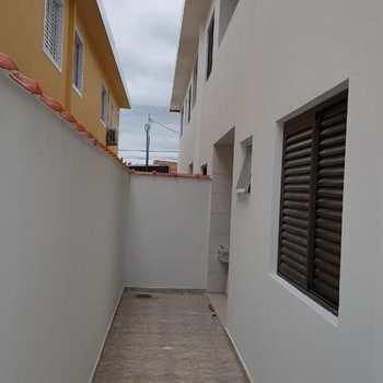 Casa em São Vicente, bairro Vila Mateo Bei