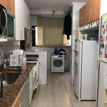 Apartamento em São Vicente, bairro Jose Menino