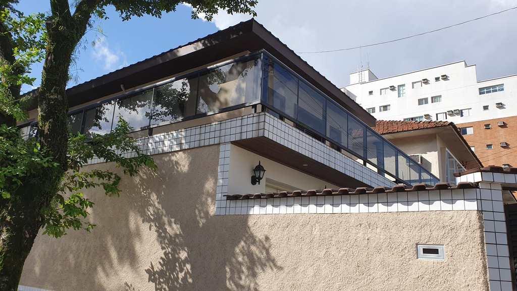 Casa em Santos, no bairro José Menino