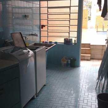 Sobrado em Santos, bairro Aparecida