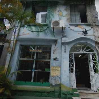 Casa Comercial em Santos, bairro Gonzaga